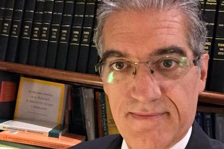 Dr. Carlos Castro Casas